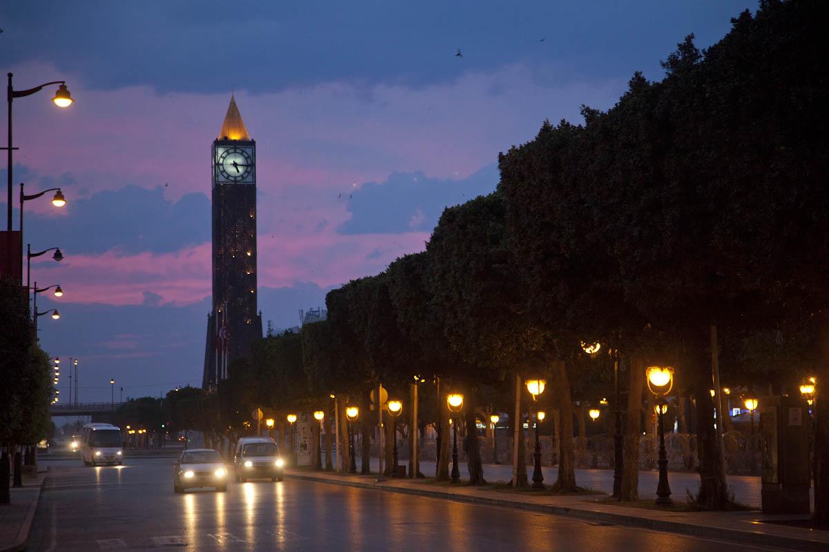 http://orientini.com/uploads/tunisie_scolarship_orientini.com.jpg
